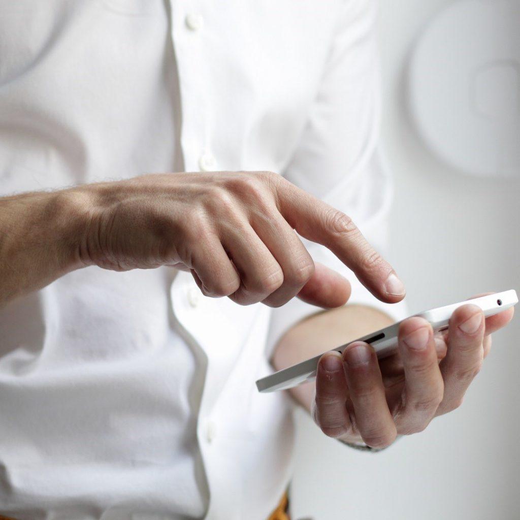 online diyet, uzaktan beslenme danışmanlığı, teknoloji, telefon