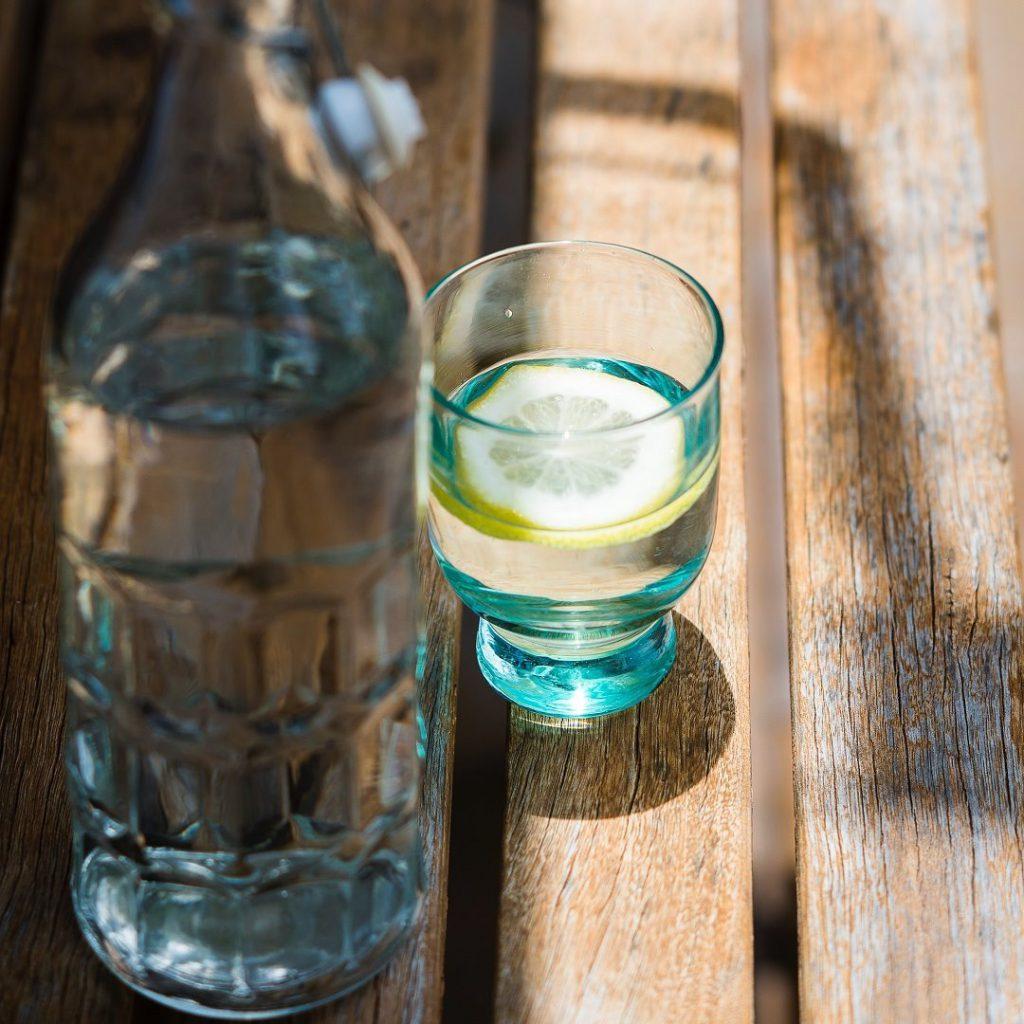 doğal mineralli maden suyu, mineral sodası, zengin mineral içeren su
