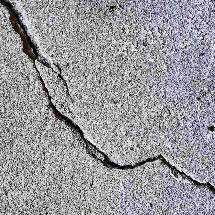 Deprem, çatlak duvar, yıkım