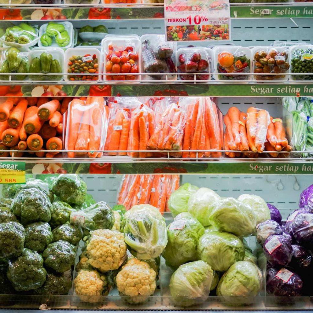 Süper market manav reyonu, market meyve sebze bölümü