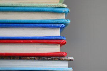 kütüphane, kitaplar, renk renk defter kitap
