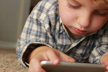 çocukta tablet, bebekte telefon, ergende bilgisayar, internet, teknoloji