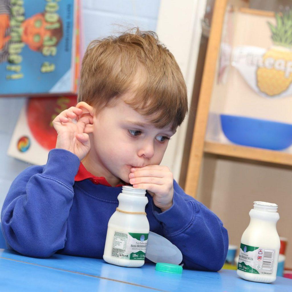 okul sütü, okul sütü projesi, okul sütü günü