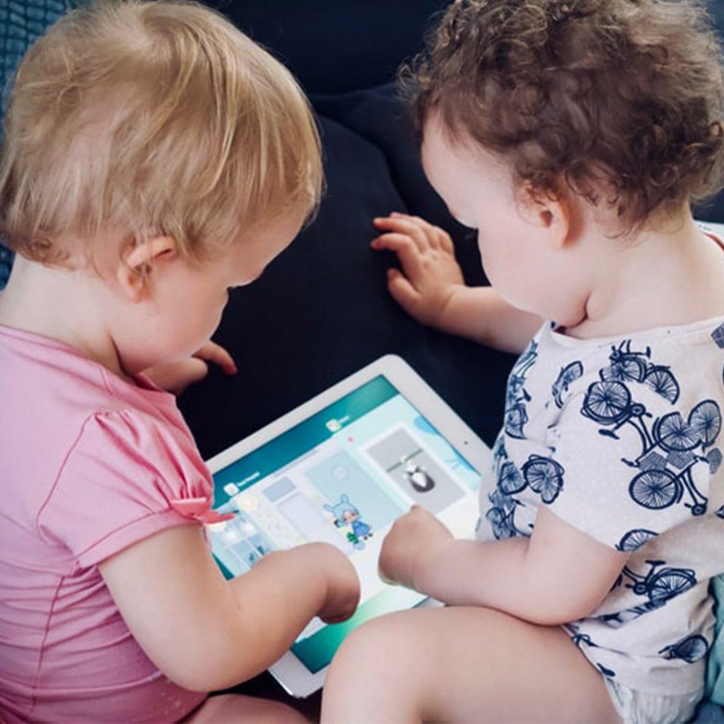 tablet, bebeklerin internet kullanması, çocuklarda bilgisayar bağımlılığı, küçük yaşta teknoloji