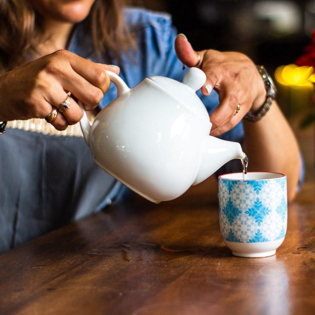 çay, bitki çayı, demleme çay, porselen çay seti, hangi çay