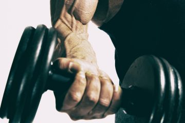 erkek sporcu, dumbell, kol, biceps, damar