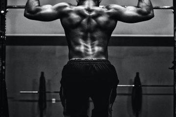 siyah beyaz, erkek sporcu, barfiks, sırt, spor salonu