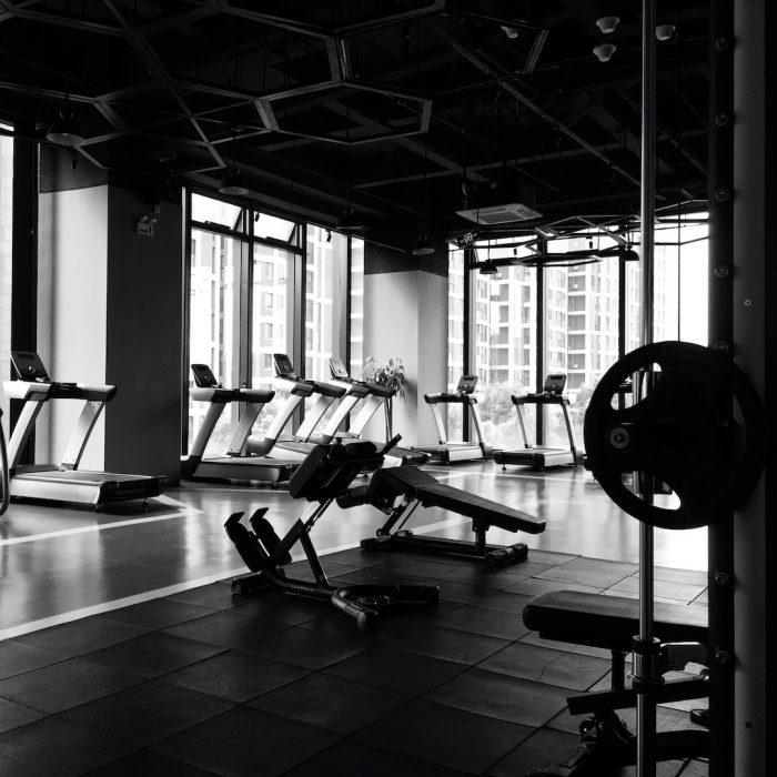siyah beyaz, spor salonu, koşu bandı, fitness salonu