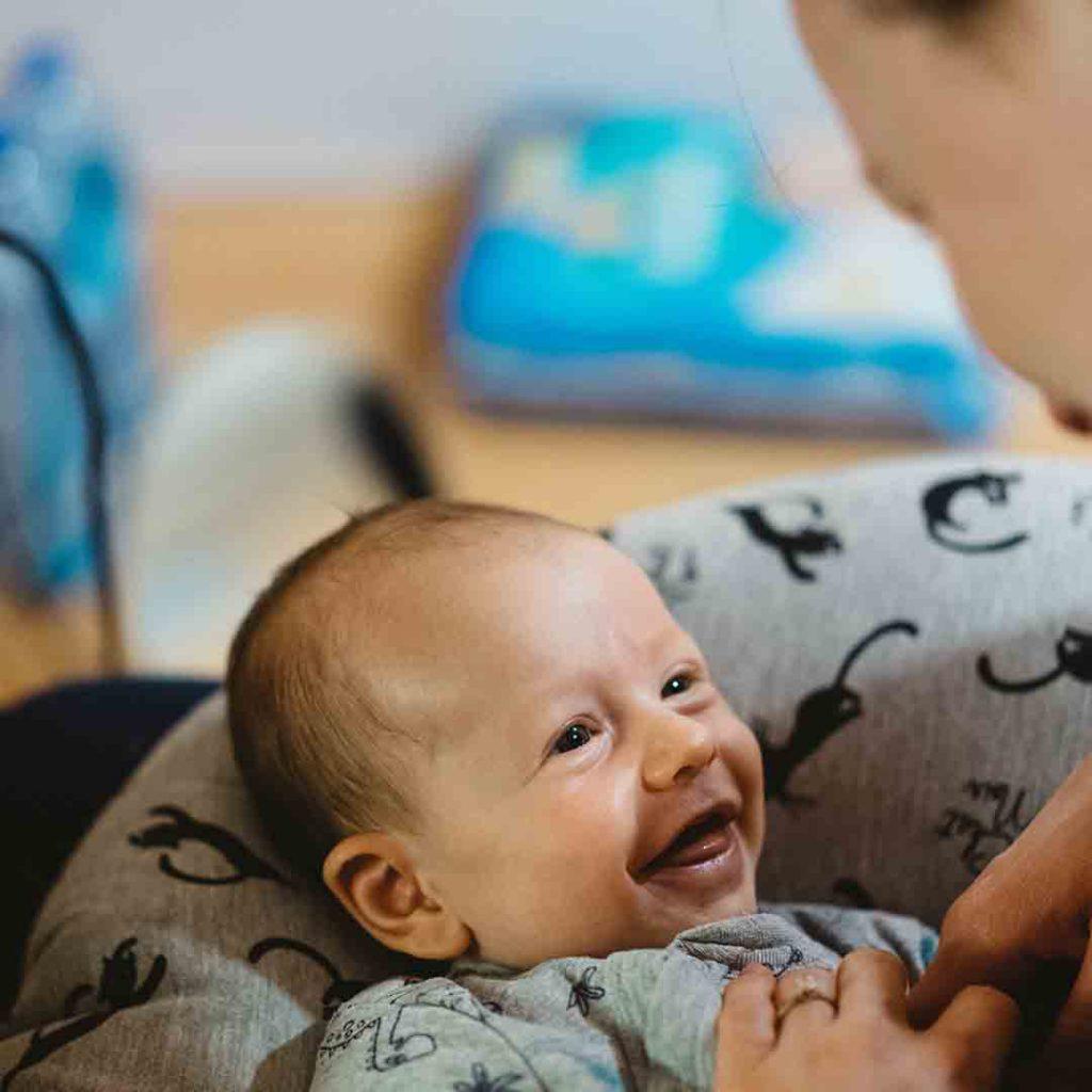 bebek, bağlanma, güvenli bağlanma, anne, ebeveyn