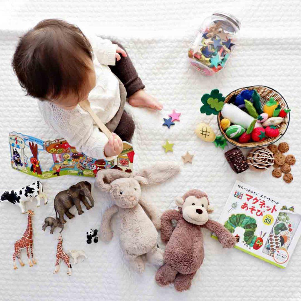 bebek, çocuk, bağlanma, bebeklerde bağlanma,güvenli bağlanma, özerk, keşif