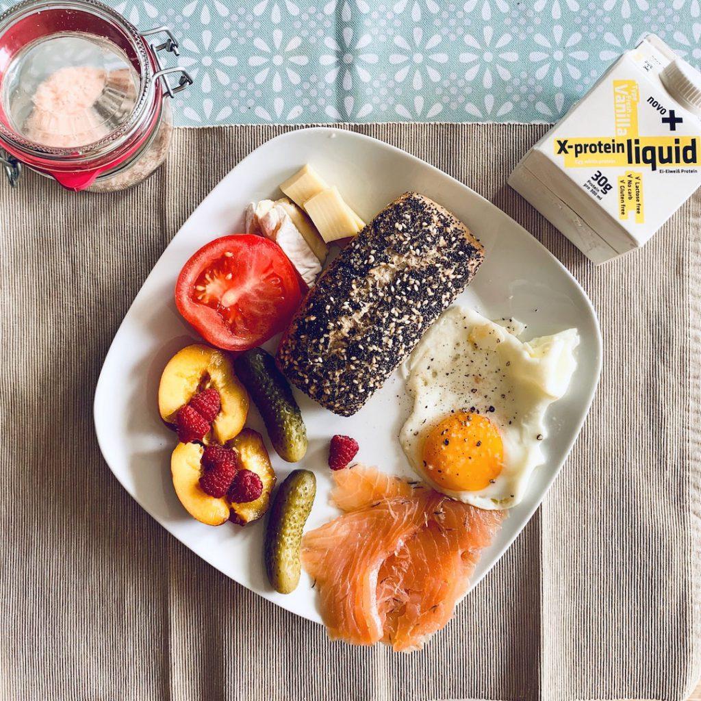 besin desteği, supplement, sağlıklı beslenme, yumurta, protein, öğün, tabak, domates