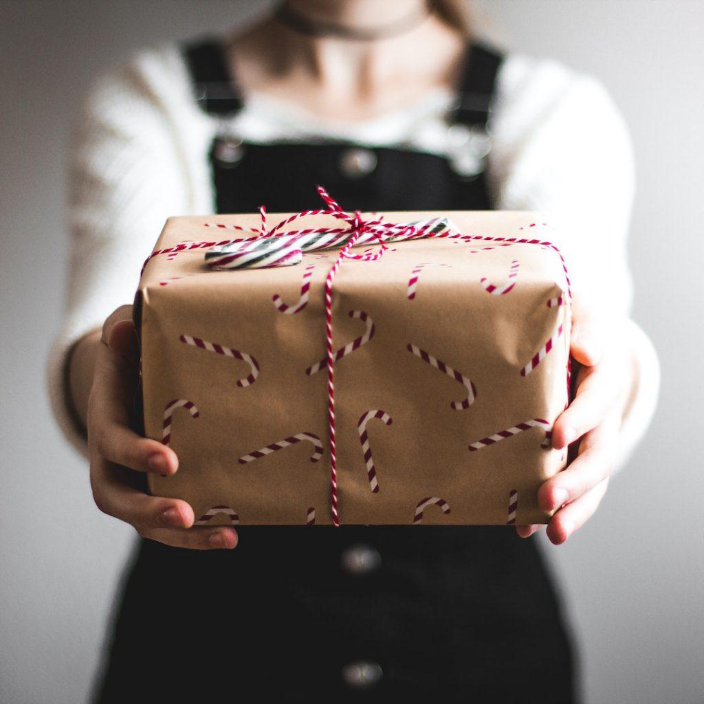 hediye, gift, ödül, armağan