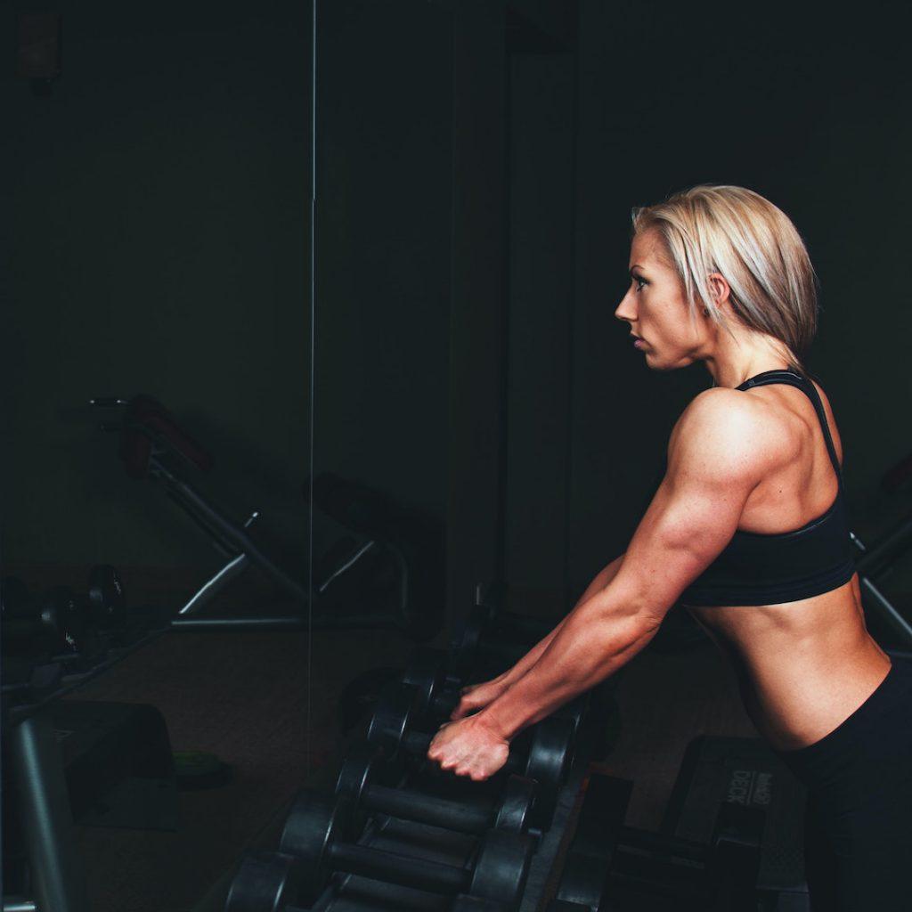 sporcu, spor, kadın, egzersiz, siyah, sarışın, spor salonu, dumbell