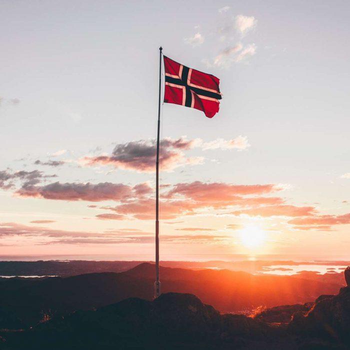 Norveç, norway, norveç somonu, norveç bayrağı, huzur, akşam, yürüyüş, gün batımı, sunset