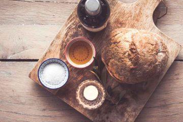 ekmek, zeytinyağı, tuz, şarap, tahta, yemek, menü