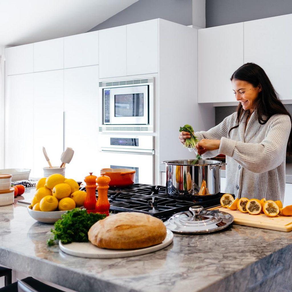 mutfak, yemek hazırlama, pişirme, sağlıklı beslenme, diyetisyen