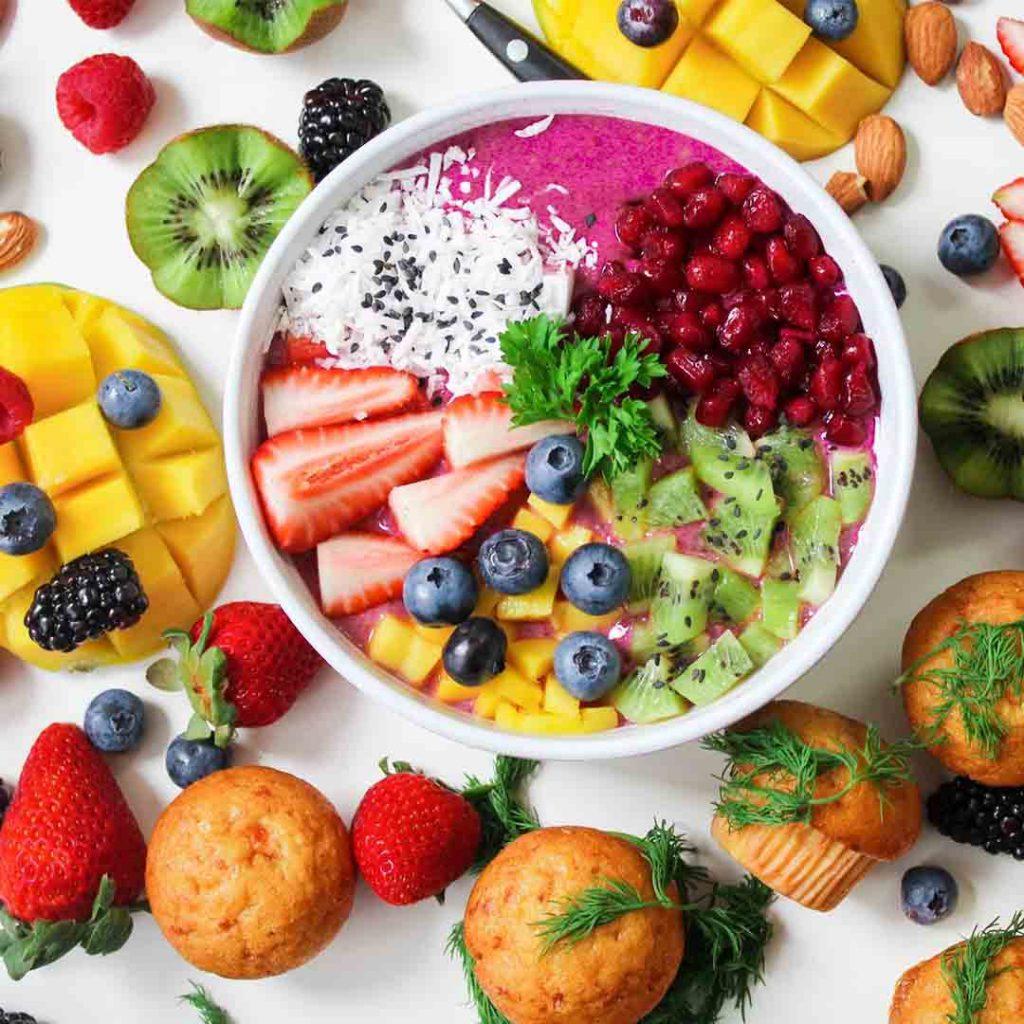 bulimiya, bulimiya nervoza, kusma, aşırı yeme, meyve, tatlı, kusturma