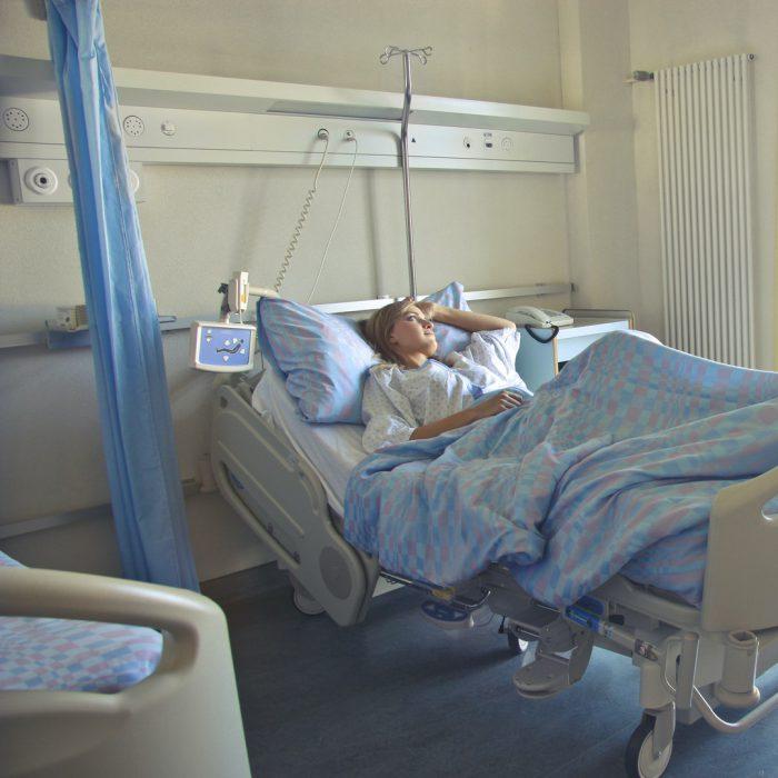 hastane yatağı, hastane, hasta, yatan kadın