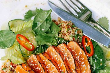 balık yemeği, balığı, et menüsü, ızgara balık, yeşillik, menü, salata, sporcu menüsü