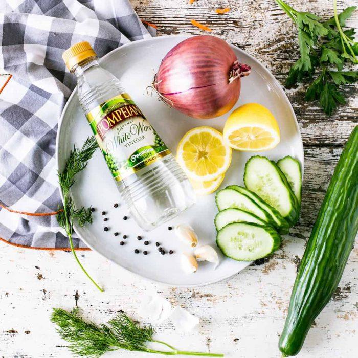 detoks, limon, soğan, salatalık, yeşillik, maydonoz, maydanoz, dereotu, soğan, kuru soğan