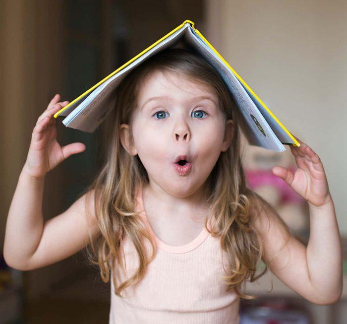 dikkat eksikliği, hiperaktivite bozukluğu, dehb, çocuk, kız, kitap, oyun