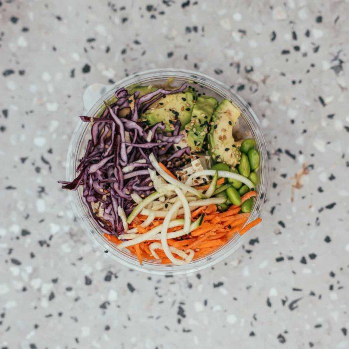 salata, havuç, turp, edamame, soya, soya fasulyesi, yeşil soya fasulye, soya ürünleri, vegan besinler,