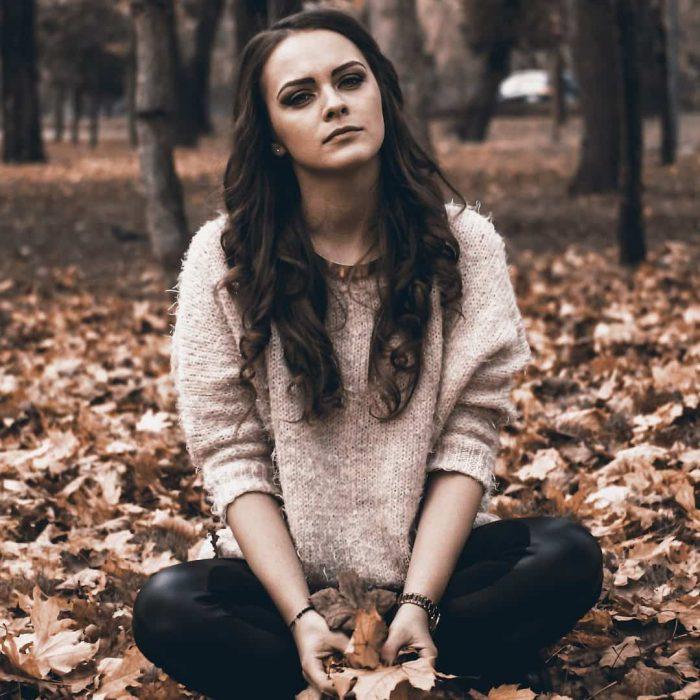 kadın, üzgün, mutsuz, pişman, sonbahar, yorgun, bağdaş, pişmanlık