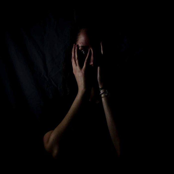 korku, karanlık, nosebo, nocebo, kadın, siyah