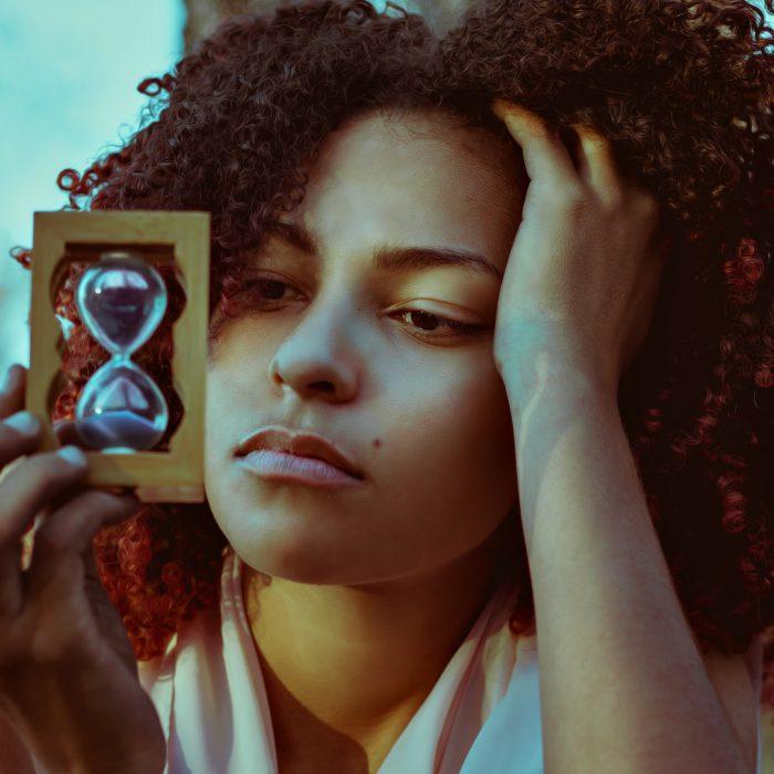 kum saati, kadın, düşünceli, saç, zaman