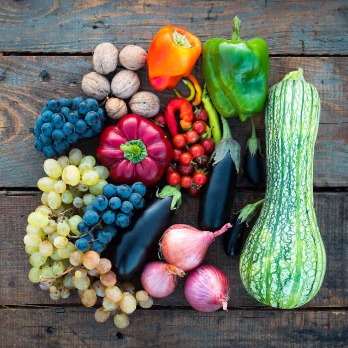 kırmızı biber, kuru soğan, kabak, patlıcan, üzüm, ceviz, meyveler, renk renk beslenme, antioksidan, meyve, sebze