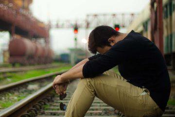 pişmanlık, pişman, yorgun, depresif, bıkkın, stres, uzak, yalnız, min