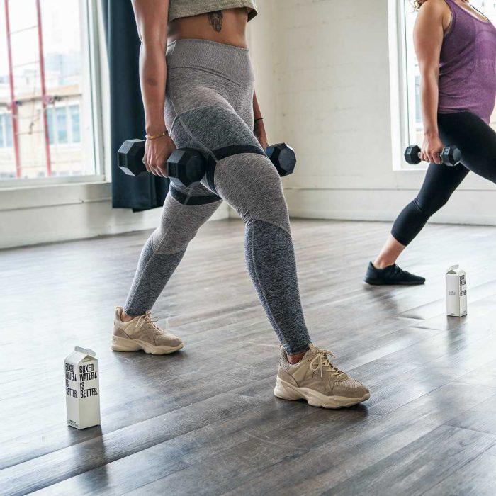 spor, kadın, egzersiz, fitness, spor salonu, vücut geliştirme, su, hareket, gri