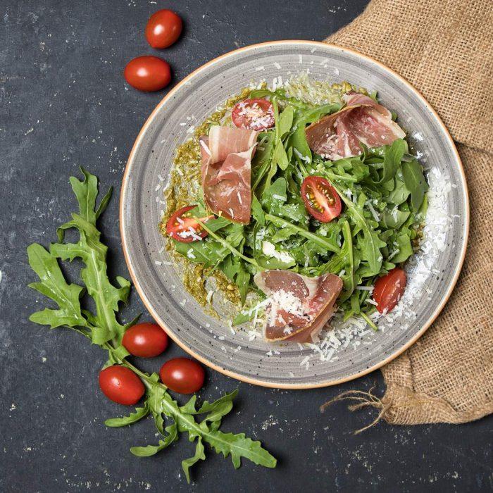 yemek, menü, diyet, jambon, pastırma, salata, domates, yeşillik