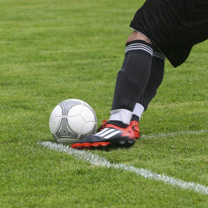 Futbol, halı saha, maç, kale vuruşu, çimen, diz, ayak