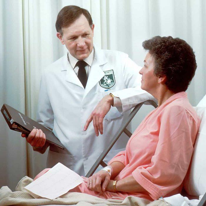 hasta, hastalık, kadın, hastane, hekim, beyaz önlük, dosya, yatış, klinik-2