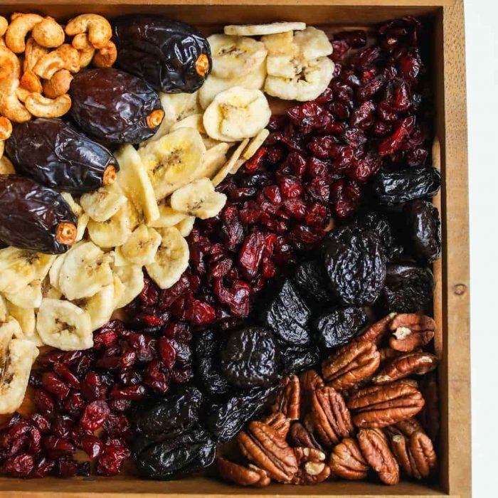 kuru meyve, muz, kurutulmuş meyva, kaju, hurma, goji berry