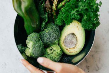 kuşkonmaz, yeşil, brokoli, biber, avokado, kale