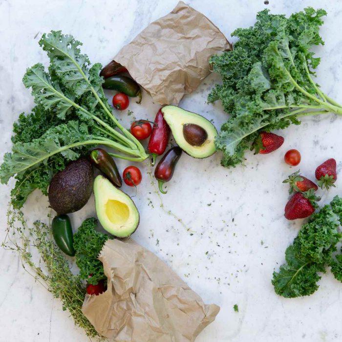 avokado, çilek, kese kağıdı, kale sebzesi, kale bitkisi, kale yaprağı, kale lahanası, kale sebzesi, kale yeşilliği