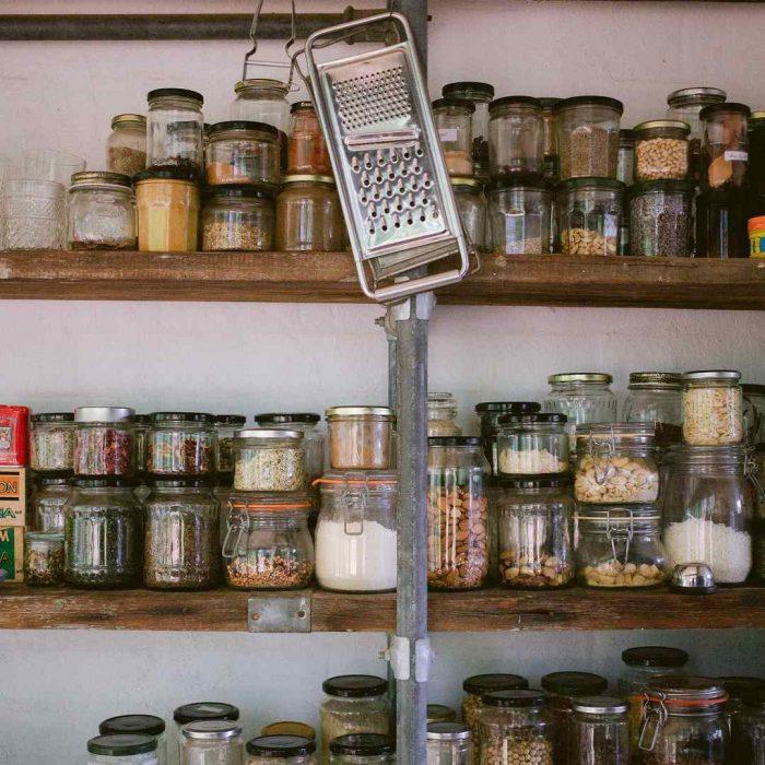 konserve, kavanoz, burkan, sürdürülebilir yaşam, sürdürülebilir beslenme, kiler, depo