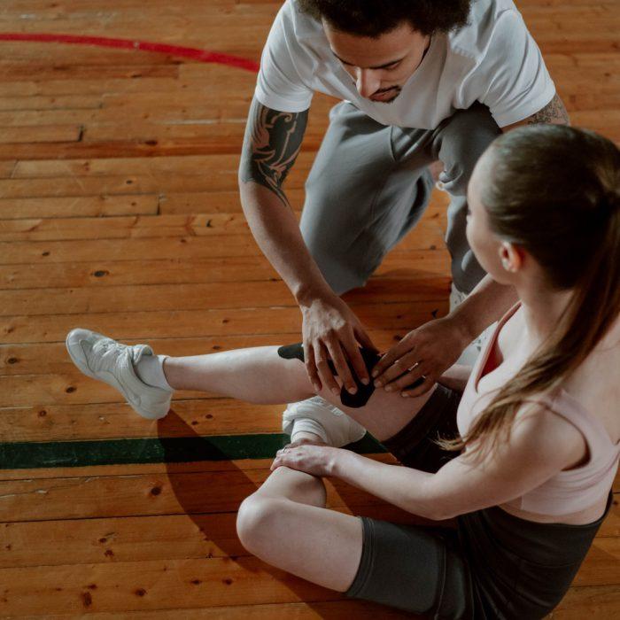 Diz, diz yaralanması, bantlama, fizyoterapist, spor, spor yaralanması