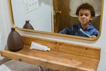 çocuk, diş fırçalama, fırça, ayna, macun, ahşap, siyahi, lavabo, anne, ebeveyn, ağız ve diş sağlığı