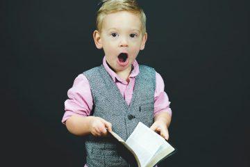 sarışın çocuk, erkek, kitap, şaşırma, ağız, yelek, pembe, erkek çocuğu-2
