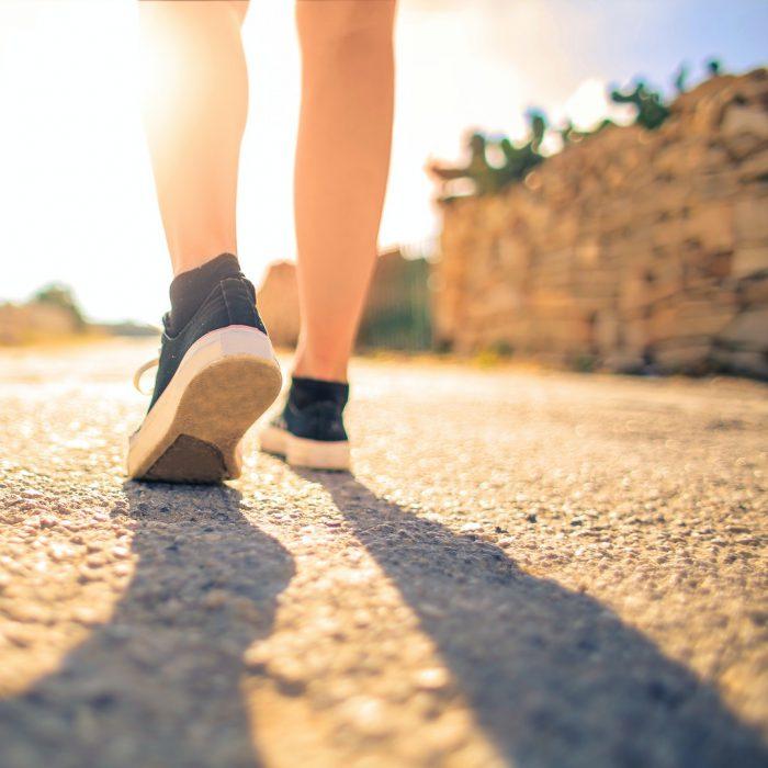 Yürüyüş, yürümek, adım, gölge, ayak, ayakkabı