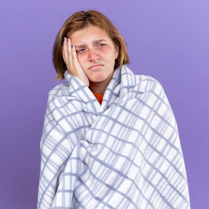 ateş, vücut sıcaklığı, soğuk algınlığı, nezle, grip, humma, ateşli, üşütme, hastalanma, akut hastalık, iltihap,